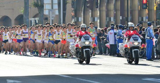 249 atletas bajan de 1:07 en el Medio Maratón de Ageo (Japón)