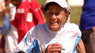 ELISA FORTI, la bisabuela runner de 83 años, viene a correr los 15k Puerto Norte