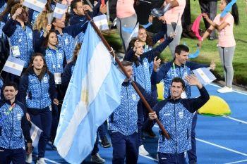 """CHIARAVIGLIO: """"UN ORGULLO ENORME ENTRAR AL ESTADIO CON LA BANDERA ARGENTINA"""""""